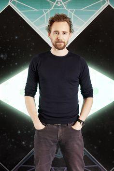 Tom Hiddleston photographed by Tamar Levine for the Thor Ragnarok Yearbook. Source: Torrilla: http://maryxglz.tumblr.com/post/167007573787/lolawashere-tom-hiddleston-photographed-by-tamar