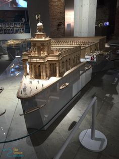 The Punt della Dogana model of Tadao Ando resembles a ship. Ready to sail from Canal Grande.
