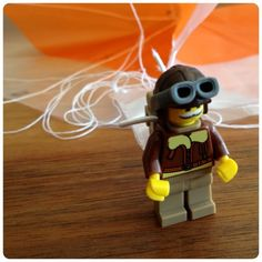 DIY Parachute for LEGO minifigs (in German, google translate!)