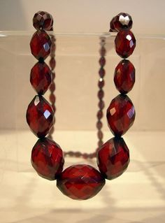 ANTIQUE GRADUATED OVAL FACETED CHERRY AMBER NECKLACE 1920's Original