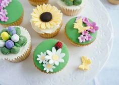 Peek preview from our Secret Garden Cupcake Workshop