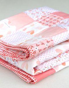 peachy keen baby quilt / Beech Tree Lane Handmade