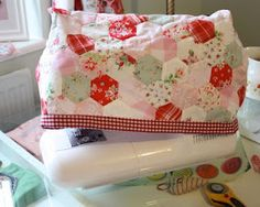 Hexagons Sewing Machine cover - and good blog site