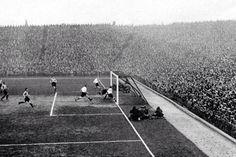 Arsenal Defeat Darwen 11-1 at Highbury in 1932.
