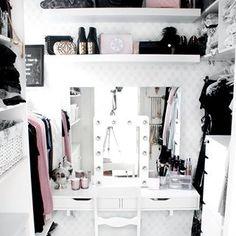 Do you ever have trouble finding something to wear? I think I have that problem every day..  ~🌟🌟🌟~  Onko sinulla vaikeuksia löytää jotain päällepantavaa? Tuntuu siltä että minulla on tämä ongelma joka päivä.. #walkincloset #closet #closetdream #closetorganization #dreamcloset #wardrobe #dressingroom #closetinspo #vaatehuone #fashionlovers #sisustus #sisustaminen #interior #skandinaavinensisustus #inredning #finnishhome #valkoinenkoti #sisustusinspiraatio  #cimlainterior #suomisisustaa #instak Home Design, Life Organization, Designer, Vanity, Photo And Video, Furniture, Mirror, Instagram, Interior