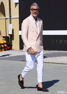 Love this suit? Let us make this style just for you. Gentleman Mode, Gentleman Style, Mode Masculine, Mens Fashion Suits, Mens Suits, Style Casual, Men Casual, Style Costume Homme, Mode Costume