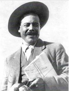 Pancho Villa, Cowboy Pictures, Cowboy Pics, Mexican Revolution, Revolutionaries, Culture, Posters, Nun, Historical Photos