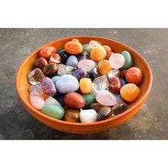 Pored estetske, poludrago kamenje ima i terapeutsku svrhu, a veruje se da može da utiče i na naše raspoloženje, odnose sa drugim ljudima, poslovne uspehe… Ovan Ovan treba da nosi kristale koji umiruju, smanjuju stres, koji pospešuju dobru energiju, kao što su karneol ili ahat. Protiv glavobolje, kojoj su Ovnovi skloni, može da pomogne gorski kristal može da pomogne. Preporuka za ovaj znak je sledeće kamenje: gorski kristal, vatreni ahat, karneol, ametist. Bik