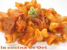 LA COCINA DE ORI: PASTA CON CALAMARES Shrimp, Meat, Food, Steak Pasta, Kidney Beans, Calamari, Seafood, Cooking, Essen