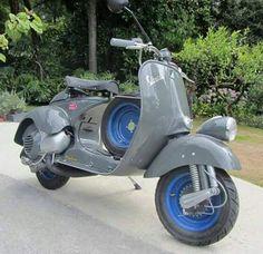 Vespa Vespa Gtv, Piaggio Vespa, Motor Scooters, Vespa Scooters, Vespa Special, Classic Vespa, Retro Scooter, Vintage Art, Vintage Vespa