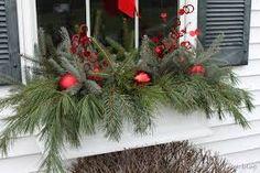 Résultats de recherche d'images pour «window boxes for winter»