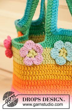 Ravelry: Flower Market Bag pattern by DROPS design Drops Design, Crochet Handbags, Crochet Purses, Crochet For Kids, Free Crochet, Drops Paris, Crochet Patron, Crochet Purse Patterns, Crochet Market Bag