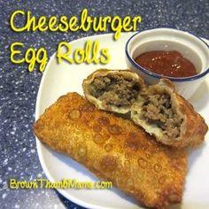 Cheeseburger Egg Rolls: Brown Thumb mama Take the cheese out and make own egg roll Egg Roll Recipes, Beef Recipes, Real Food Recipes, Great Recipes, Snack Recipes, Cooking Recipes, Favorite Recipes, Yummy Snacks, Kitchens