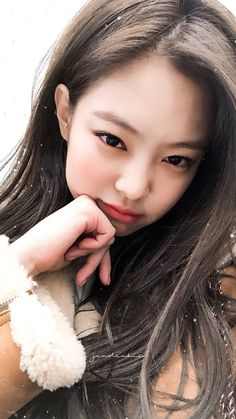 Our mandeugi, hope she always happy and healthy🙏😍😍 Kim Jennie, Yg Entertainment, South Korean Girls, Korean Girl Groups, Mamamoo, Wallpapers Kpop, Divas, Blackpink Members, Black Pink Kpop