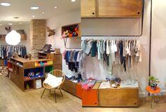 Little FrenchTrotters et sa superbe sélection de vêtements, accessoires, jouets et mobilier vintage pour les enfants! 28 rue de Charonne, Paris