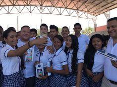 Gobernador encargado entregó tabletas en instituciones del sur de La Guajira