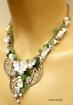 Hey, I found this really awesome Etsy listing at https://www.etsy.com/ru/listing/227473644/green-necklace-flower-necklace-jade