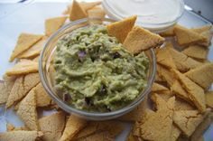#Raw #Vegan #Guacamole served with Homemade Oil-free #Corn #Chips.
