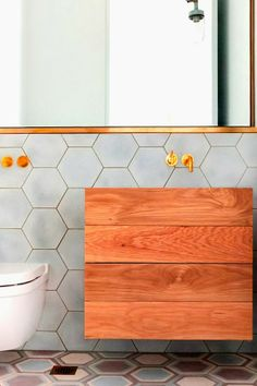 Charlotte Minty Interior Design: Modern Bathrooms with Colour