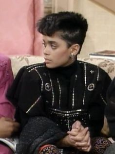 Denise Huxtable -- the precursor to the male K-pop idol...Nailed it.