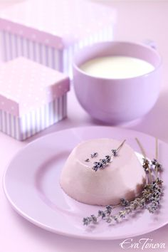 Lavender panna cotta with honey