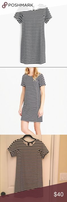 J Crew Black and White Striped T-Shirt Dress XXS J. Crew Black and White Striped T-Shirt Dress. Size XXS. Exposed back gold zipper. EUC. Easy to dress up or dress down. Made with cotton and a hint of stretch, very comfortable and flattering. J. Crew Dresses