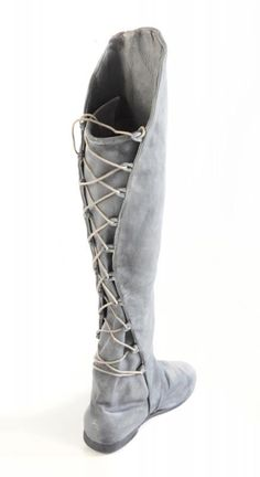 Arwen boots- allegedly. Nice design either way.