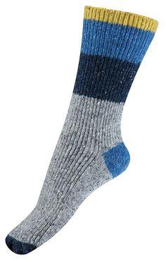 Șosete călduroase de foarte bună calitate de la Melton. Șosetele se potrivesc perfect, iar culoarea rămâne în țesătură spălare după splălare.   Șosetele reglează perfect  temperatura corpului și izolează atât vremea rece, cât și cea caldă.  Material: 50% lână, 20% mătase, 25% poliamidă și 5% elastan.  Mărimi disponibile: 27/30-39/41.  Vă rugăm să respectați instrucțiunile de spălare și îngrijire a lânii.  Vă recomandăm să utilizați un detergent special pentru lână. Socks, Fashion, Bamboo, Moda, Fashion Styles, Sock, Stockings, Fashion Illustrations, Ankle Socks