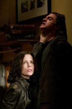 Still of Kate Beckinsale and Scott Speedman in Underworld (2003)