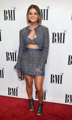 Maren Morris had a different take on the three-piece suit during the BMI Awards in Nashville. The singer, who left her bob straight, wore a tweed mini skit, cropped jacket and bralette. Fashion Photo, Fashion Beauty, Maren Morris, Haircut And Color, Three Piece Suit, Country Girls, Country Music, Stage Outfits, Red Carpet Fashion