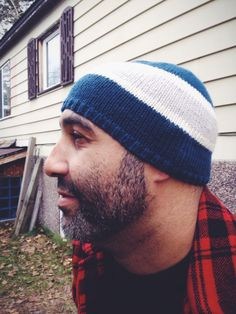 The Go Team! Sports Hat is the knit hat pattern you need to have in your knitting queue. Sometimes knitting for men can be a tough feat. This year, however, it just got that much easier.