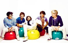 Definitley one of my favorite pictures of them all together. Those are always the best Zayn Malik, Liam Payne, Harry Styles, Louis Tomlinson, and Niall Horan One Direction One Direction Wallpaper, One Direction Pictures, I Love One Direction, Zayn Malik, Niall Horan, Now Magazine, First Love, My Love, Just Girly Things