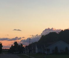 Sky, Celestial, Sunset, Outdoor, Heaven, Sunsets, Outdoors, Heavens, The Great Outdoors