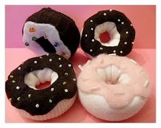 """What to do with those adorable baby socks once your baby's outgrown them? Make """"Sock Donuts"""" for your child to use in a play kitchen! Easy Tutorial from Rook No. 17!"""