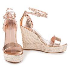 753003ce4273 32 najlepších obrázkov z nástenky Sandále (sandals)