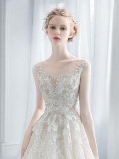 Monica Blanche Look Fashion, Girl Fashion, Fashion Dresses, Cute Girl Dresses, Pretty Dresses, Beautiful Girl Image, Beautiful People, Modelo Albino, Bridal Dresses