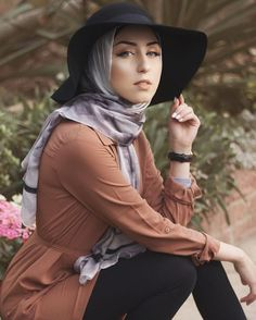 WEBSTA @ jasminefares - Obsessed with this marble hijab from @velascarves Am I a #VelaGirl yet?