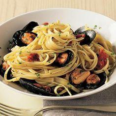Recipe for Linguine With Mussels : La Cucina Italiana