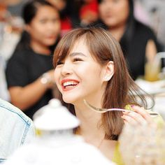 """""""Fight Hate with LOVE"""" -@superjanella #GrandELNELLAFansDay    Paul Reyes Filipina Actress, Filipina Beauty, Cute Cat Wallpaper, Salvador, Singer, Actresses, Bride, Hair Styles, Imagination"""