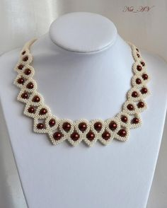 Cranberry Dessert squared beaded necklace by Nat_AV Beaded Jewelry Designs, Seed Bead Jewelry, Bead Jewellery, Handmade Jewelry, Seed Beads, Beaded Crafts, Jewelry Crafts, Diy Schmuck, How To Make Beads