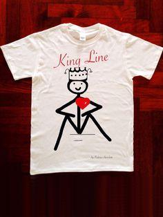 """T-SHIRT KING LINE linea LOVE LINE BY FEDERICO BERTOLOTTI LOVE LINE ️by Federico Bertolotti È una linea che ha come protagonisti i """"Lovvini"""": personaggi in linea con il cuore. I """"Lovvini"""" nella loro essenzialità ci indicano una via...come fossero linee di vita. 100% Cotton,Love,Cool & Quality PRINTED IN ITALY Size: S M L XL XXL"""