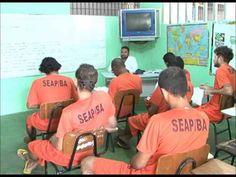 Confira o depoimento de Jane Santos da Silva sobre o trabalho como professora em um presídio. O vídeo faz parte da reportagem da revista NOVA ESCOLA sobre o ...