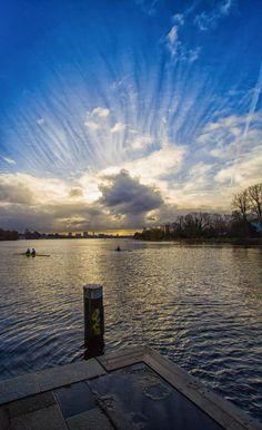 Anleger Krugkoppelbrücke mit Ruderbooten | Bildschönes Hamburg