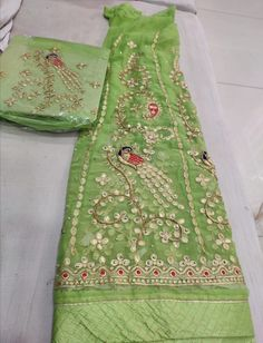 Indian Dresses, Indian Outfits, Rajputi Dress, Punjabi Suits, Lehenga, Gold Jewelry, Fashion Jewelry, Collection, Indian Gowns