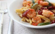 Gemelli z krewetkami, cukinią i cherry pomidorkami suszonymi