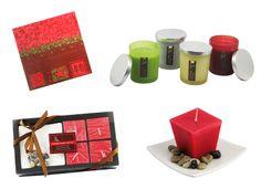 Dispón la mesa con velas, servilletas, flores y demás utensilios que estén basados en los colores de la Navidad: rojo y verde.