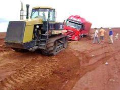 moto-niveladora puxando caminhão atolado - Pesquisa Google
