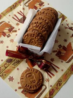 Spéculoos faits maison ~ cadeaux gourmands ~ Galletas Cookies, Cupcake Cookies, Desserts With Biscuits, Cooking Cookies, Baking Basics, Kinds Of Cookies, Gourmet Gifts, Colorful Cakes, Biscuit Cookies