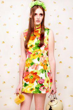 a51fa7cda21 60s Citrus Floral Mod Qipao Mandarin Dress XS S by honeymoonmuse