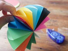 すぐ作れる!可愛い雑貨「ミニ傘」の作り方| Pacoma パコマ | 暮らしの冒険Webマガジン Paper Crafts For Kids, Diy And Crafts, Paper Cutting, Origami, Kindergarten, Handmade, Craft Tutorials, Carnival, Paper Crafting